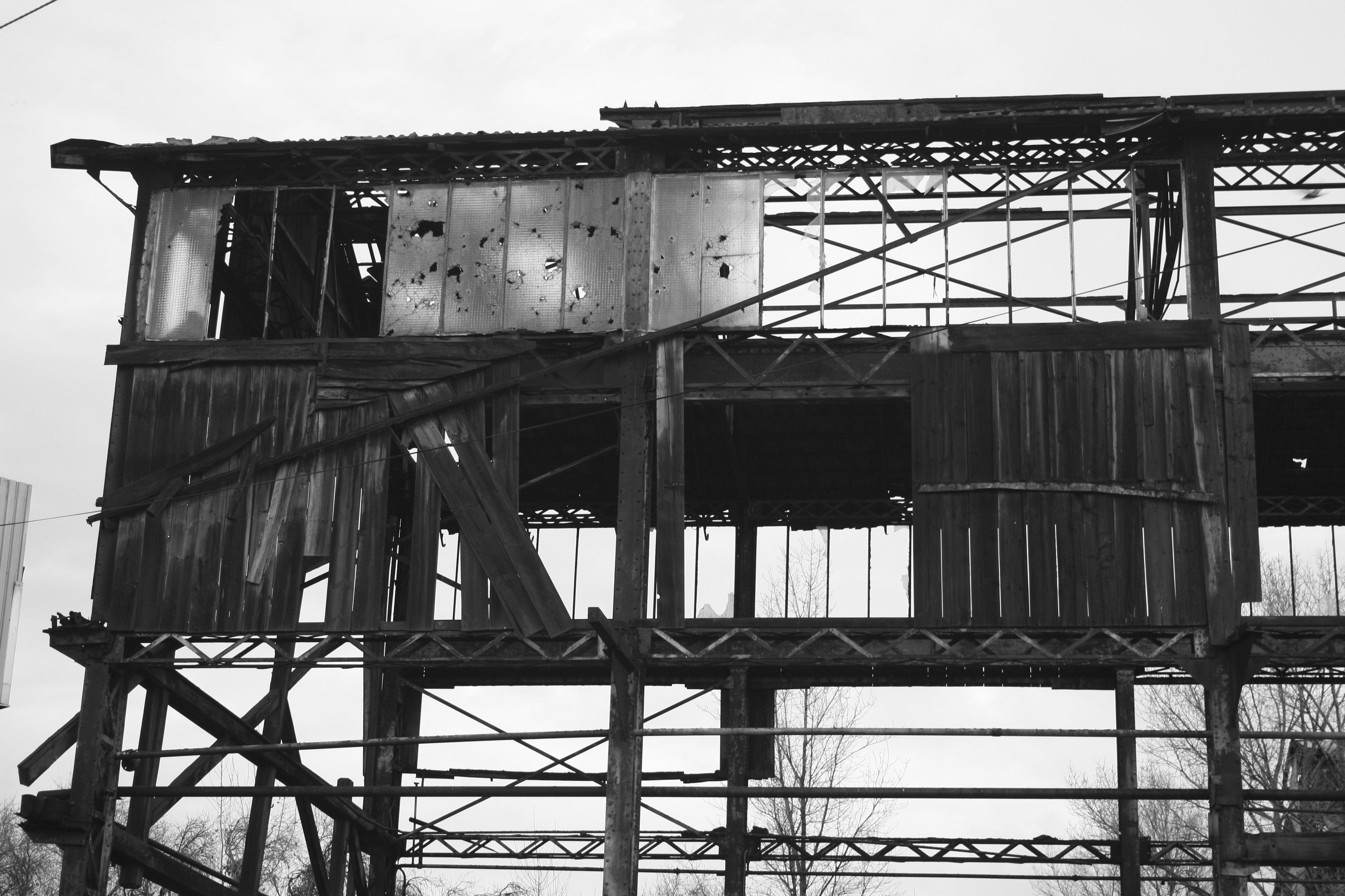 Friche_industrielle_à_Bordeaux gris